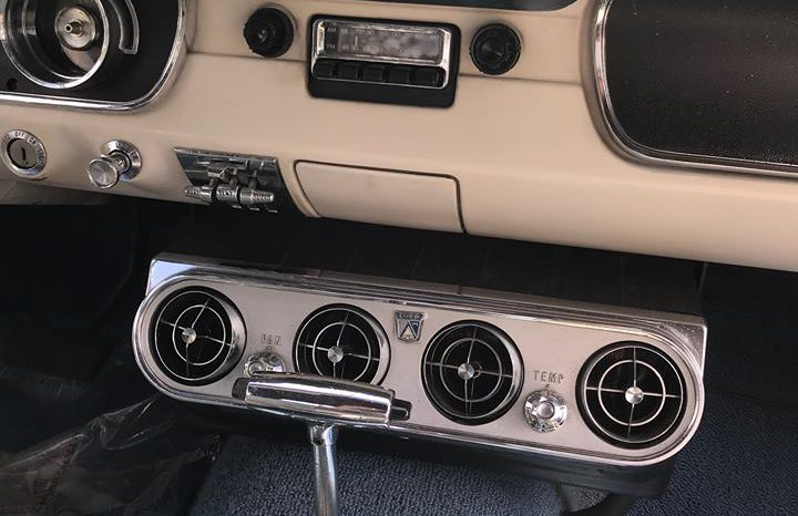 1964 1/2 Ford Mustang Convertible full
